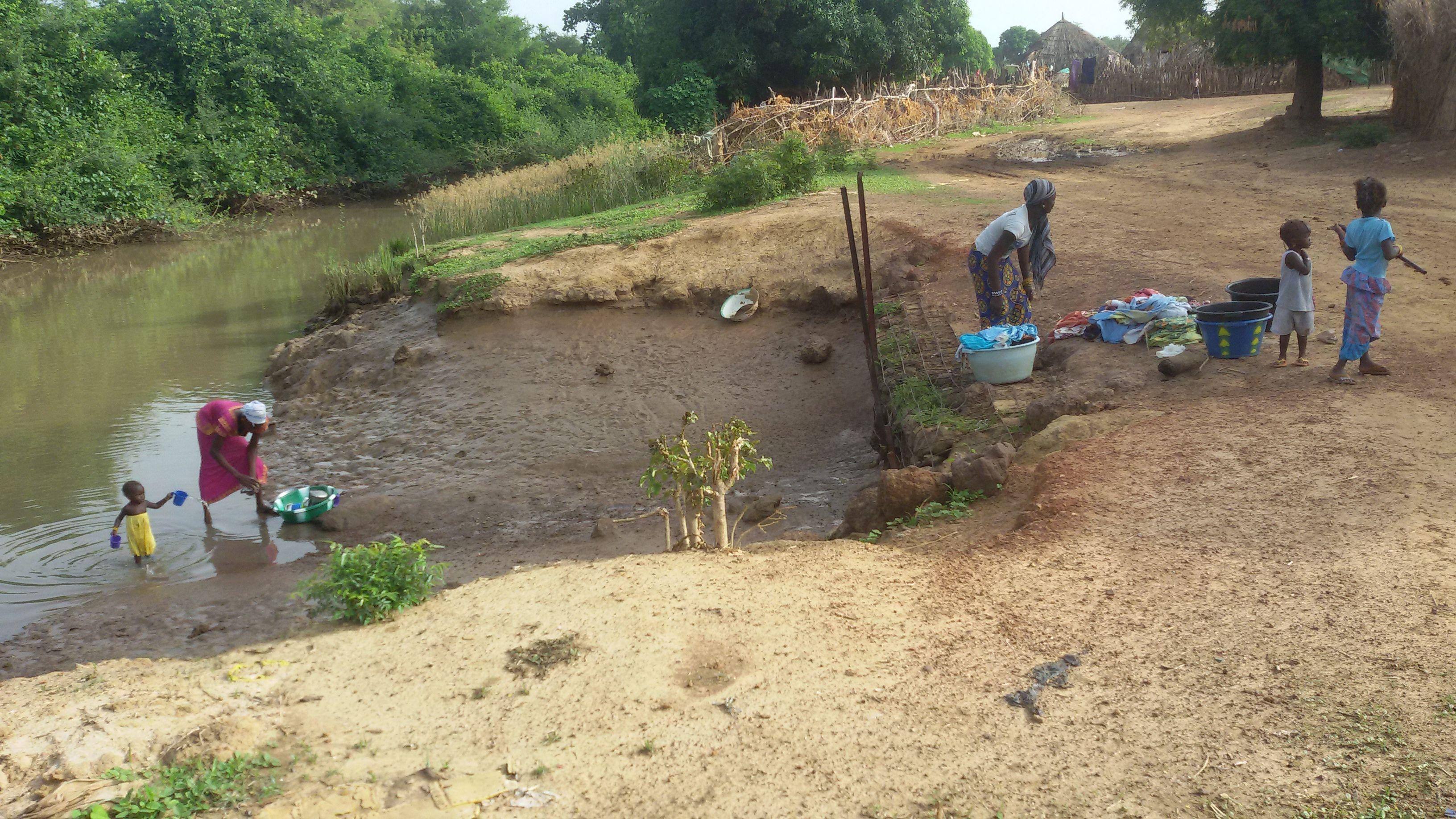 SCHOON DRINKWATER voor Brikamading. Ons eerste project in Gambia!